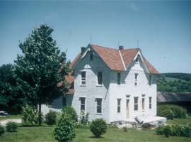 The Franklin farmhouse (1983)